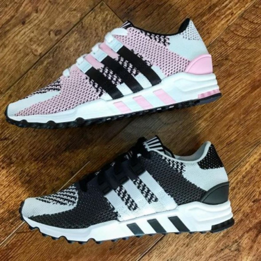 8783223a9dbc4 (Trainer pictured  Asics Gel-Respector  Japanese Garden  in carbon and  salmon)